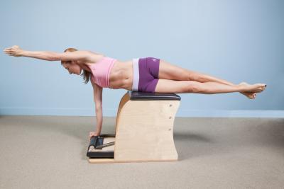 exercício alongamento coluna chair