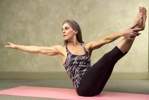 mulher-idosa-pilates-solo.jpg