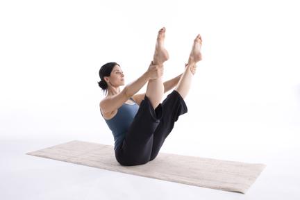 mulher-pilates-mat-aula.jpg