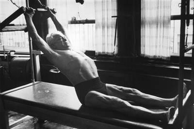 pilates exercício membros superiores