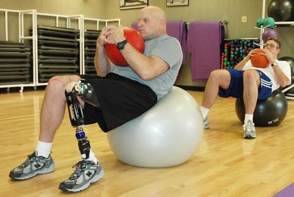 reabilitação com bola de pilates